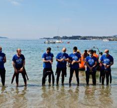 Travesía a nado entre a Praia de Santo Amaro e a da Madalena en lembranza das vítimas da COVID-19
